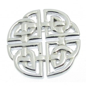 Knotwork brooch