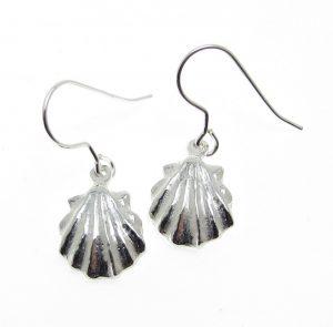 EA6 shell earrings