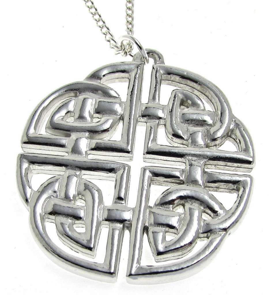 PE2 Large Celtic knotwork pendant