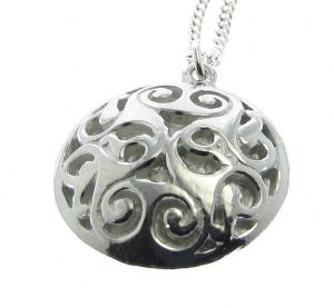 Round swirl pendant